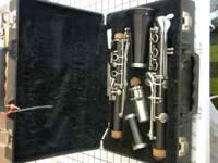 im selling a bundy clarinet, its in great condition,