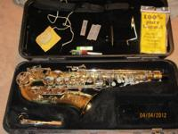 Bundy II Alto saxophone in great condition. Comes with