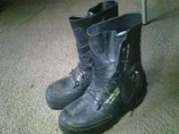 Bunny boots,  sz6 asking35Dollars