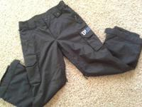 I'm offering a pair of Burton snow pants they are a