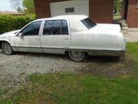 CADILLAC FLEETWOOD 1993 4 DOOR PROJECT CAR.THE MOTOR