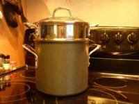 Calphalon Pasta pot with strainer and lid. Use with or