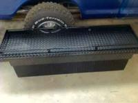 Cam locker toolbox with rails, black. Like brand new