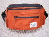 Camera bag in good condition.  Location: Bellingham