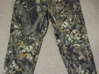 Camo non-insulated pants, never worn, in very good