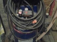 Campbell Hausfeld 20 gal Air Compressor. 5.5 HP Peak,