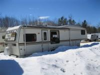 1988 Travel Villa 5th wheel Camper is 35Ft. Aluminum