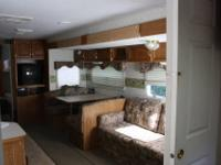 I am selling a camper trailer. 30ft bunkhouse Keystone