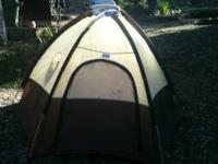 Selling this Camping tent in good condition! Seth: