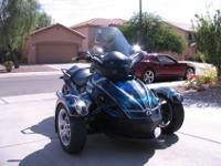 Can Am Spyder in excellent condition. Rotax 990, Manual