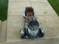 2011 Can Am Spyder RT - Silver with Brown seats- AM/FM