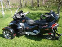 comes with 662 trailer , 998 CCs, Custom Corbin Seat w/
