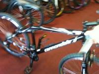 cannondale hard tail virtually brand new. hardly ridden
