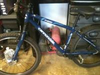 2004 Cannondale F400 mountain bike for sale. Bike is in
