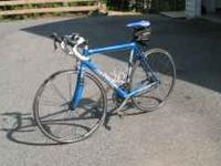 Nice Canonondale road bike with pedals to accomodate