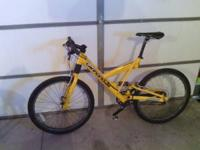 Yellow Cannondale Super V400 Bike, In great condition.
