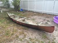 This is a 15' fiber glass canoe. Floats perfectly well.
