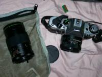 SELLING A VERY NICE CANON 35MM CAMERA WITH EXTRAS..MY