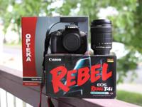 Canon 650D DSLR with 18-135 IS STM lens, 4GB SD card,