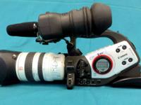 Canon XL2 3CCD MiniDV Camcorder w/20x Optical Zoom,