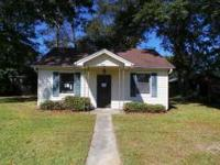 Adorable 2 bedroom 1 bath cottage in the Lynwood