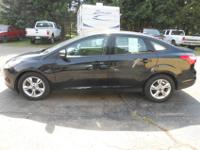 .2013 FORD FOCUS SE. Only 41,825 miles...LIKE NEW. o
