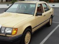 986 Mercedes Benz 300 E one owner all orig runs great