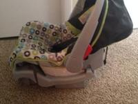 Car seat with base No holes No stains Very good