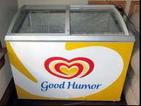 8 cubic foot display ice cream freezer. Has top sliding