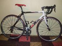 THIS IS A 2007 LOOK 585 FULL CARBON ROAD BIKE 54CM