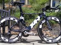 For sale is a pre-owned Medium 52cm Quintana Roo CD0.1