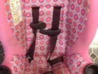 Cosco car seat for sale in excellent condition. It has