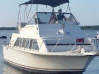 1980 Carver mariner $16,500 Forward bedroom with lots