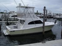 Description 40' 2002 Luhrs Convertible Accommodations