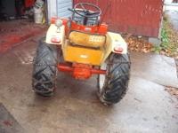 Has a 12hp Kohler K301,hydraulic drive tranny with high