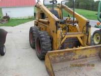 CASE Uni-Loader Skidsteer, model 1737 gas powered, runs