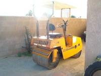 TANDEM RIDE ON ROLLER ASPHALT. GAS ENGINE, CANOPY,