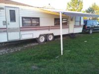 1985 32' Travel Trailer / Camper Fully Self Contained