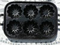 "Cast Iron Brioche Tart Pan - 6 Hole 10.5"" x 7.5"" -"