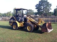 99 40 HP 4 WD Loader Aux Hyd Quick Attach Bucket With