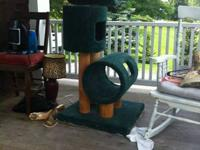 Eco-friendly used cat tree for sale! I'm moving