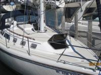 1988 Catalina 34, sailed only in the Great Lakes. Great