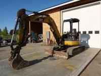 2005 Cat 305CR Excavator in great condition. No leaks,