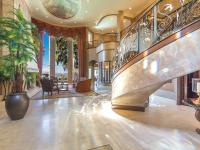 Gated 1 +/- acre Mediterranean estate on the St. Johns