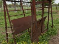 Cattle Squeeze / Head Shoot Door is not pictured but is