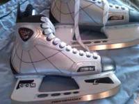 These are size 11 ice hockey skates. Never been worn or