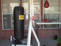 Everlast heavy bag in good shape no rips everlast speed