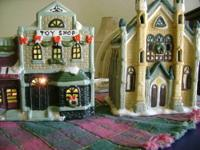 Ceramic Christmas Village lot includes the following: