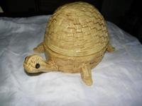 CERAMIC TURTLE DISH WITH COVER, BASKETWEAVE DESIGN, NO
