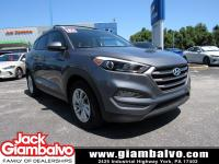 2016 HYUNDAI TUCSON SE ....... ONE LOCAL OWNER ......